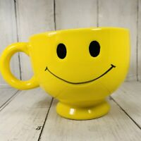 Large Smiley Face Happy Emoji Coffee Cup Yellow Ceramic Mug Jumbo Big Smile 20oz