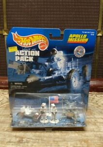 Hot Wheels Action Pack Apollo Mission Astronauts, Lunar Module, Moon Rover