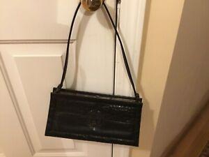 Elegant Vintage 1990s Gianni Versace Shoulder Bag black Leather Great Condition