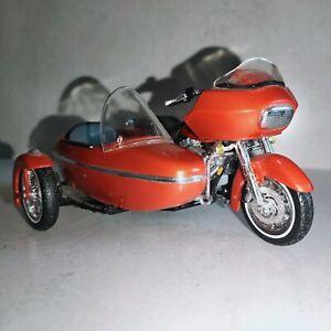MAISTO Harley Davidson 2000 FLTR ROAD GLIDER & SIDE CAR 1/18 13cm brown model