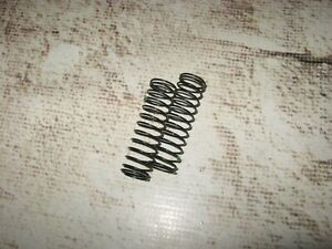 RC Associated 12 mm Rear Springs 2.0 Rate Green (2) 91336 Used