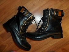 womens black boot w/ gold hardware ~ size 9 1/2 9.5 ~ Guess