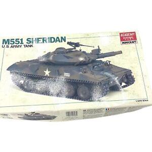 Vtg Academy M551 Sheridan 1/35 U.S. Airborne Tank Model Kit No. 1307 READ