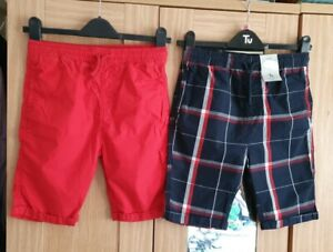 TU Boys Cotton Shorts 2 Pack Size 11 Years. 1 x Red 1 x Navy Check. Elasticated