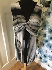 *PRASLIN* draped sleeveless tunic in greys and black, size 24