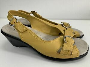 """Hotter Gold /Yellow """" Kiwi """"Leather Sandals Low Heeled NEW Size 6"""