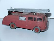 DINKY TOYS 955 FIRE ENGINE WITH LADDER 1950s MECCANO ENGLAND
