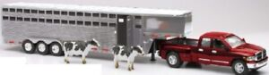 New  Ray 1/32 Dodge Ram 3500 Extended Cab Pickup w/Livestock Trailer (D NRY10923
