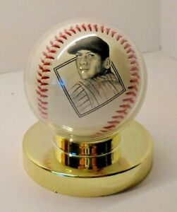 Vintage AVON 1936 Mickey Mantle Commemorative Baseball w/ Display Stand 1996