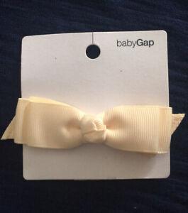 NWT Baby Gap Small Ivory Bow Clip