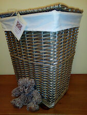 Wicker Laundry Basket, Lid and Cotton Lining Storage