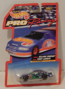 Hot Wheels 1997 Pro Racing Terry LaBonte Kellog Chevrolet Monte Carlo Goodyear
