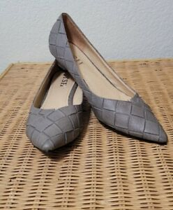 Women's Gray Kitten Heel Pumps Size 9 Quilted Pattern Pointed Toe