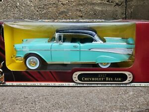 Road Signature 1957 Chevy Bel Air Hard Top 1:18 Scale Diecast Model Car Green