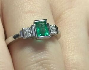 Wow! 9ct Gold ring Emerald and Diamond Ring White Gold Emerald Ring