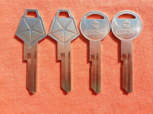 4 OLD VINTAGE CHRYSLER PLYMOUTH DODGE MUSCLE CAR ORIGINAL MOPAR NOS KEY BLANKS