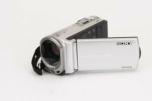 Sony Handycam Camcorder (Carl Zeiss Lens) DCR-SX33E with Charger & Manual (GW)