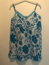 UK 12 WHITE/BLUE FLORAL VEST TOP SUMMER/HOLIDAY/TOWIE/SMART/PARTY/GYM/CELEB/BOHO