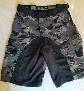 Oakley Black Cargo Shorts Mens Casual size LG