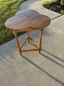 Ethan Allen Circa 1776 Colonial Maple Trefoil Cloverleaf Side End Table 18-8007