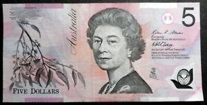 AUSTRALIA 1992 : $5 Polymer Bank note (Queen Elizabeth II). Circulated