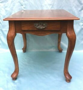 Vintage Queen Anne Style Oak Finish Wood End Side Table with Drawer - Nice!!