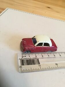 VINTAGE LESNEY MATCHBOX No.22A VAUXHALL CRESTA RED WITH CREAM ROOF  Excellent