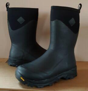 Muck Mens Arctic Ice Extreme Mid Vibram Icetrek Sole Black Size 11 Free Socks!