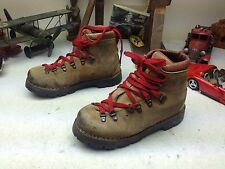 VINTAGE DISTRESSED DUNHAM BROWN LEATHER LACE UP MOUNTAINEERING TRAIL BOOTS 7 M