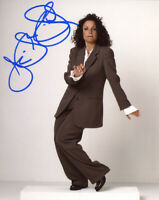 JULIA LOUIS DREYFUS SIGNED AUTOGRAPHED 8x10 PHOTO ELAINE SEINFELD BECKETT BAS