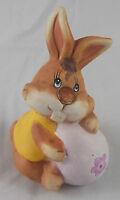 Ostern Osterhase Hase mit großem Ei Lila 12 x 9 cm Keramik Osterdeko Deko Neu