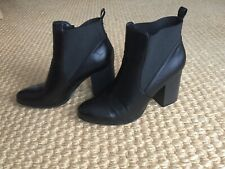 Womens Forever 21 Black heeled Ankle Boots Sz 10