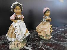 figurines femmes en costume traditionnel vintage CURIOSITY by PN