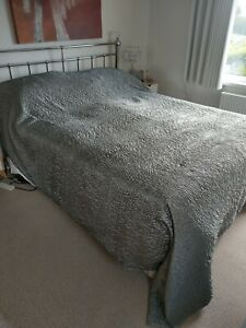 HABITAT BED THROW, COVER, RUNNER, KING SIZE only used on spare bed