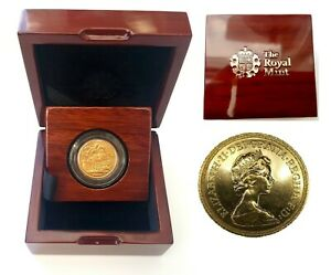 1974-1982 Queen Elizabeth II Gold Sovereigns + Capsulated within Luxury Case