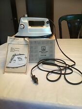 Proctor Silex Lady Light With Super Steam Deluxe Self Cleaning Action Iron I411W