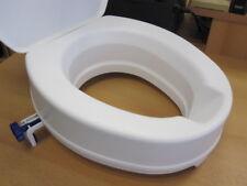 Toilettensitzerhöhung 10 cm mit Deckel von Invacare / Aquatec Toilettenaufsatz