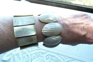 JEWELLERY TWO WOOD & POLISHED MOTHER OF PEARL STRETCH BRACELETS 145