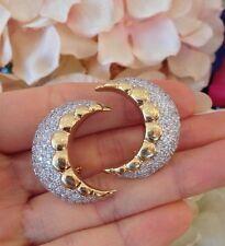 Diamante Pavé Media Luna Forma Pendientes 5.80 Cttw en 18ct Oro Amarillo -