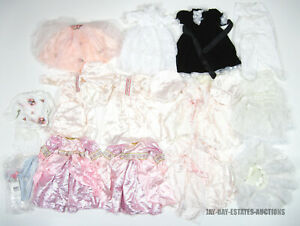 LOT OF 35 STORYBOOK HEIRLOOMS DOLL CLOTHING GOWNS DRESSES BONNETS TOPS & HANGARS