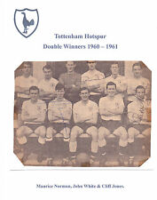 Tottenham Hotspur 1960-1961 D vincitori RARE ORIG mano firmato gruppo Inc John BIANCO