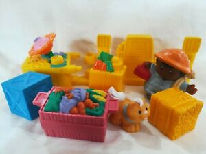 Mattel Fisher Price Little People Construction Worker Cat Fence Cart 8 Items '02