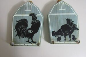 Blue Rustic Farmhouse Painted Rooster & Chickens Wall Hangings with hooks (38)