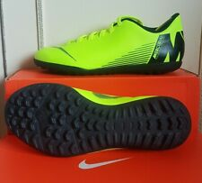 Nike Football Boots/astro turf /trainers/ shoes/boys/Mens/size 5