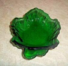 """VINTAGE FOREST GREEN GLASS LEAF BOWL DISH BERRY CANDY NUT 4 1/2"""" W X 6 1/2"""" T"""