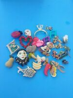 Vintage Pins / Brooches Lot Of 29 PC's.