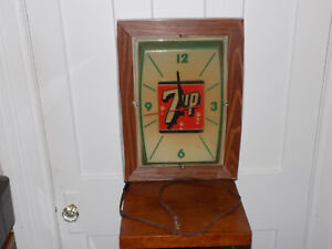Vintage 7 Up Lighted Clock