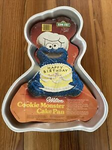 Wilton Cake Pan Cookie Monster From Sesame Street Muppet+ Color Insert #502-3738