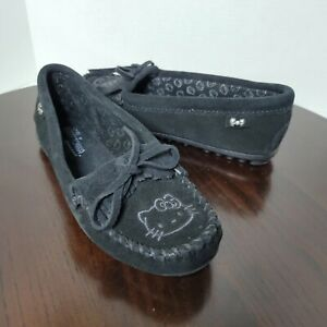 Minnetonka Hello Kitty Women's Thunderbird II Black Moccasin Shoes US Size 7.5