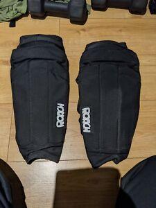 Roach MTB BMX Knee Skin Pads